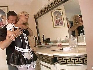 Blonde maid get fuck