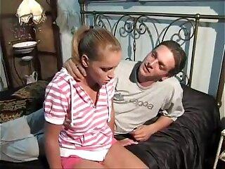 Preciosa ten rubia se la mama al padre