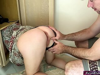 Stepmom gets stuck and fucked Erin Electra