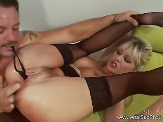 Fuck The Blond MILF gets Anal hard Style