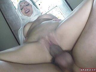 American cock splits arab woman