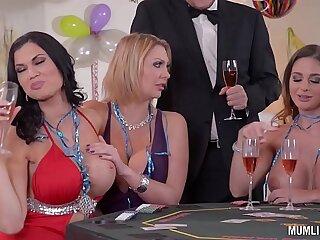 Milfs Cathy Heaven Leigh Darby Jasmine Jae Cum During Orgy