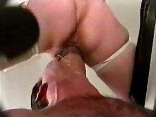 Kathy Jones fucks and squirts