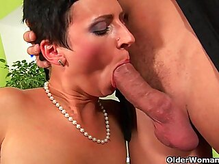 Soccer mom gets full load of cum in her mouth