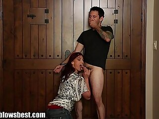 MommyBB Nikki Hunter jumps on a young dick