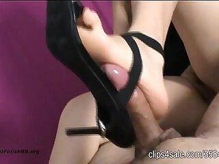 New high heels! Bondage Footjob!!