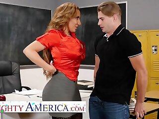 Naughty America Richelle Ryan Fucks her college student