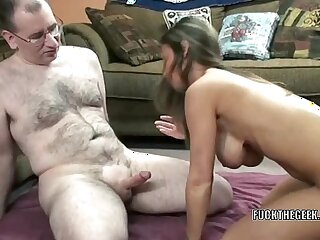 Busty brunette MILF Leeanna Heart gets her mature twat pounded